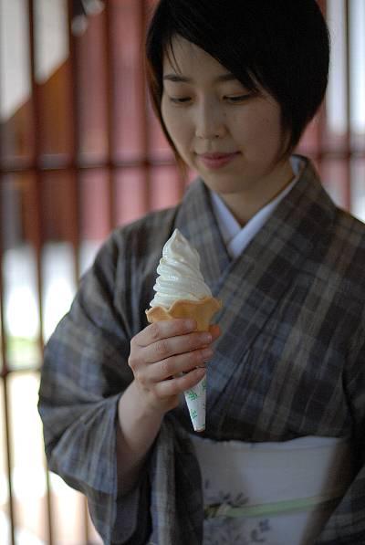 はづちを楽堂ソフトクリーム.jpg