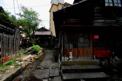 粟津温泉の路地裏2.jpg