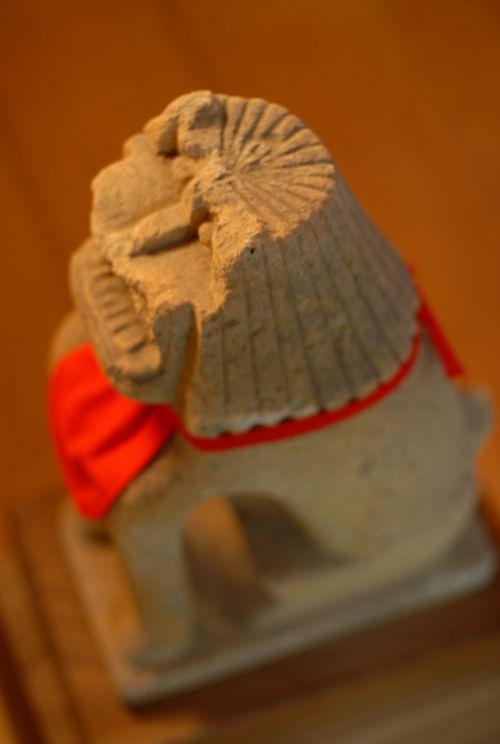 安宅住吉神社の神殿狛犬.jpg